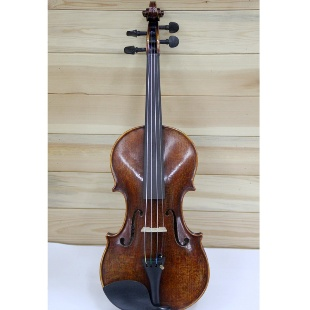 宋老师手工制作小提琴